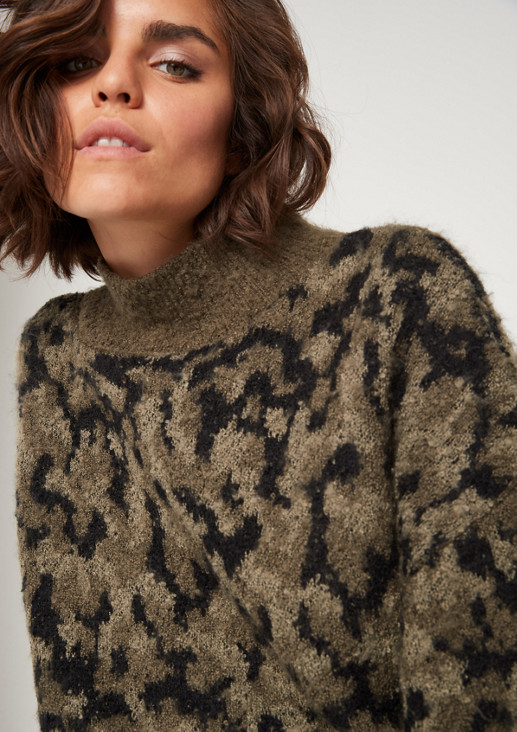 Short-sleeved knitted poncho with a camouflage pattern from comma