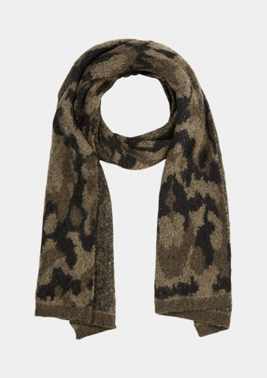 Knitted scarf with a camouflage pattern from comma
