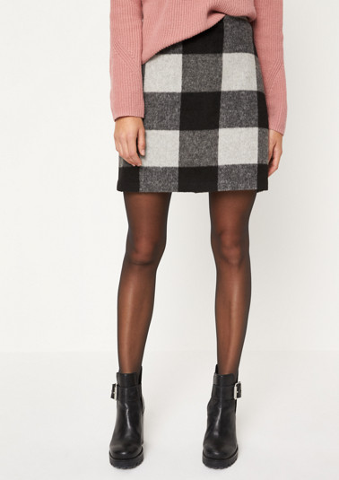 Short casual skirt in a wool look from comma