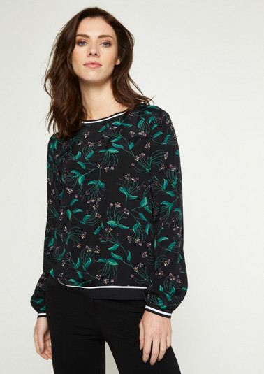 Crêpe blouse with a colourful floral pattern from comma
