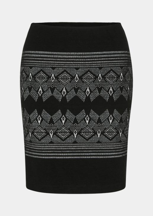 Kurzer Strickrock mit dekorativem Muster