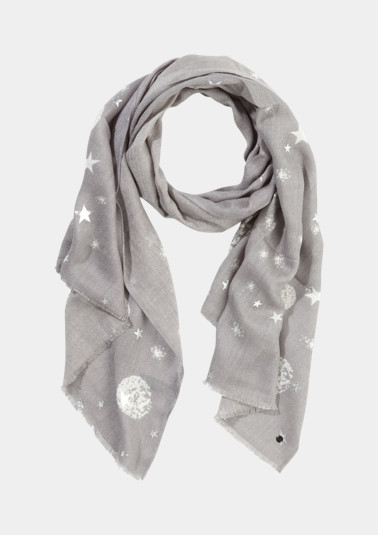 Lightweight scarf with a star pattern from comma