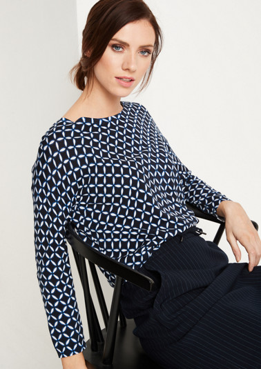 Long sleeve knit top with an all-over graphic pattern from comma