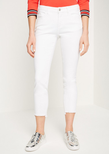 Coloured jeans in a 7/8 length from comma