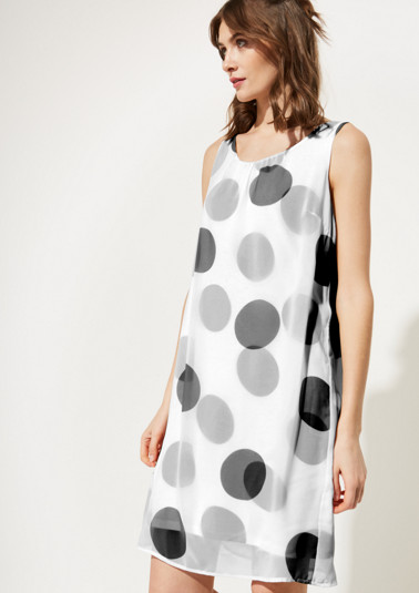 Delicate chiffon dress with a smart all-over pattern from comma
