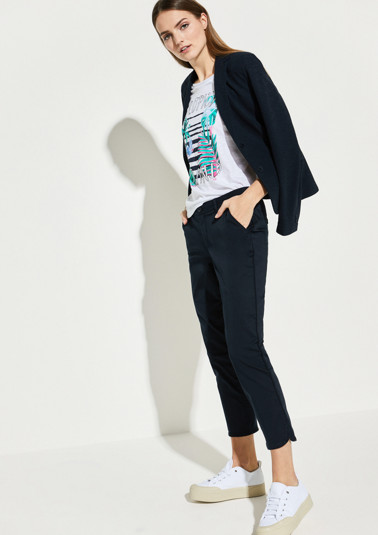 Zoe: Coloured stretch trousers from comma