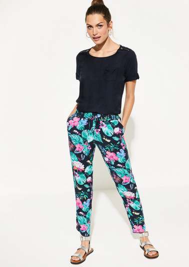 Lightweight cloth trousers with a print from comma