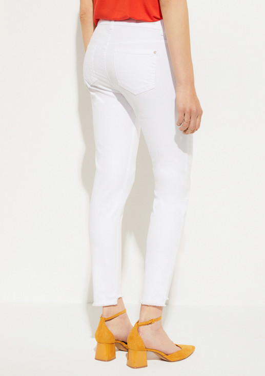 Coloured denim jeans in 7/8-length from comma
