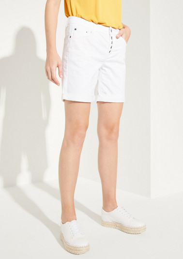 Shorts with decorative embroidery from comma