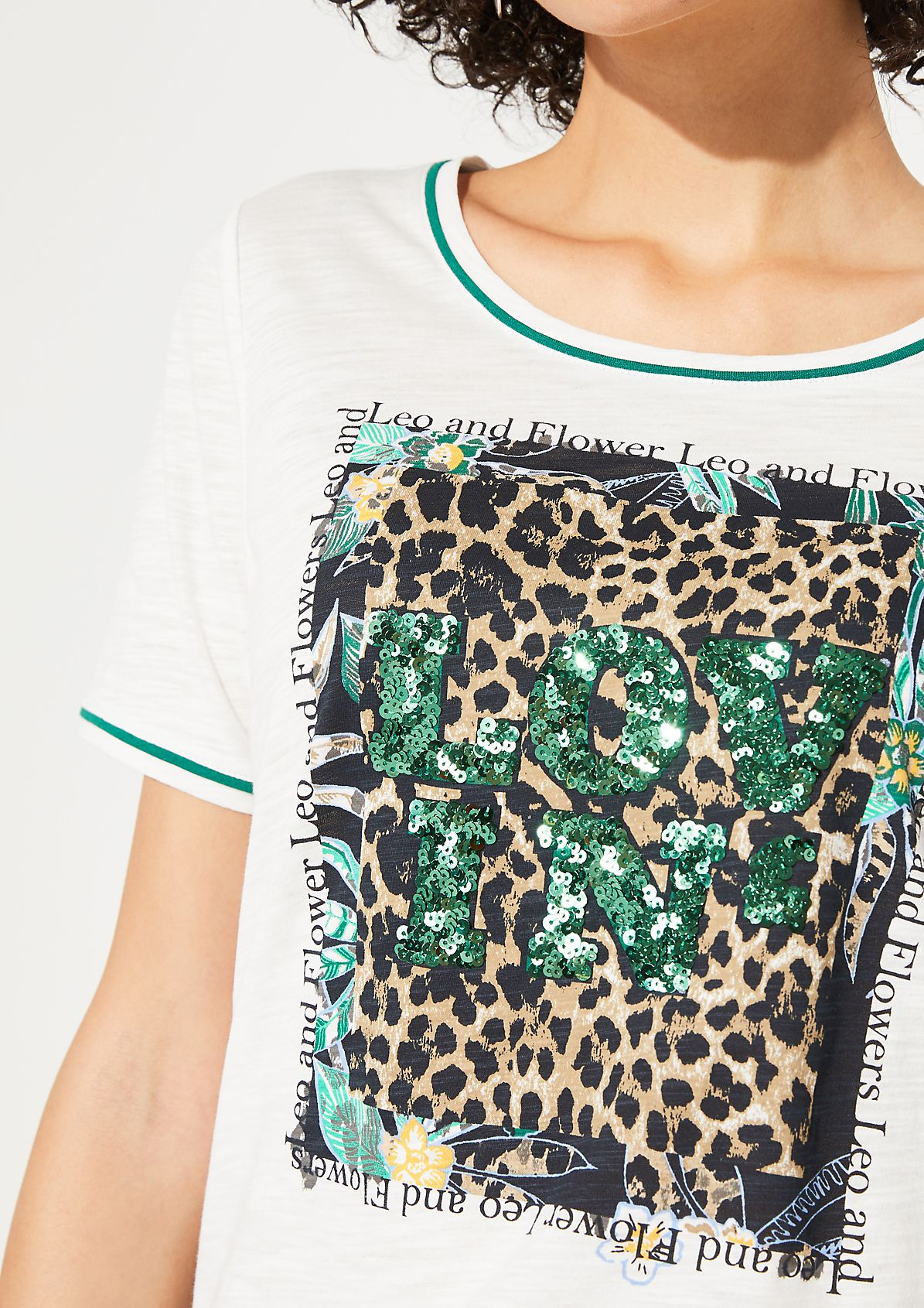 Jersey top with a statement print and sequins from comma