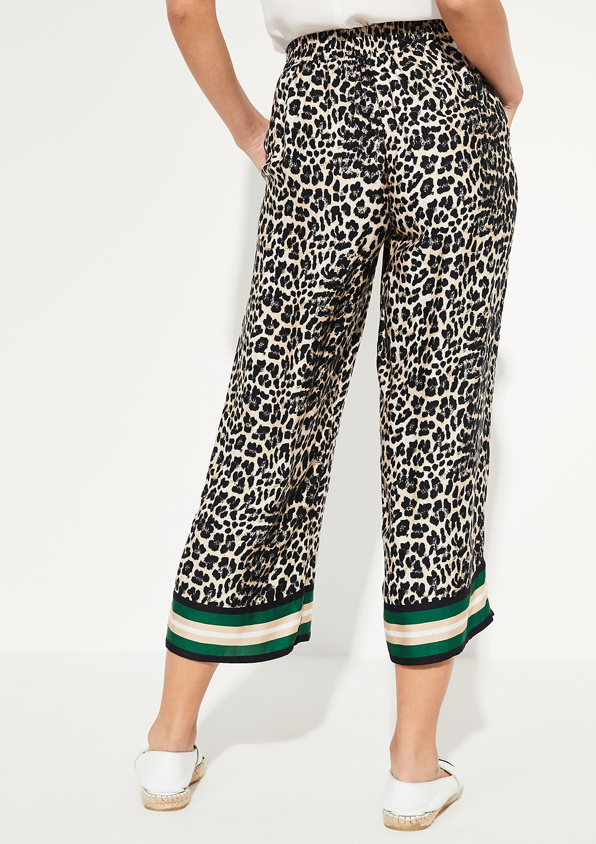 7/8-length trousers with a decorative leopard pattern from comma