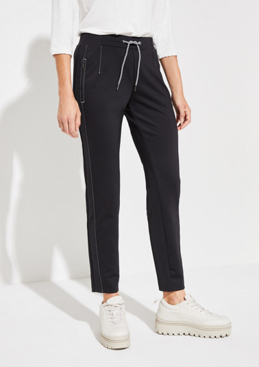 Sporty lounge trousers with zip pockets from comma