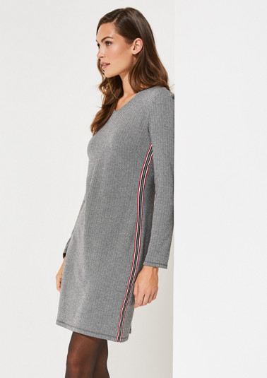 Long sleeve dress with a classic herringbone pattern from comma