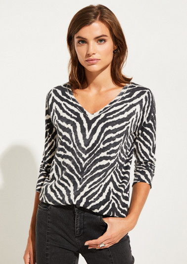 Fine knit jumper with 3/4-length sleeves and an animal print from comma
