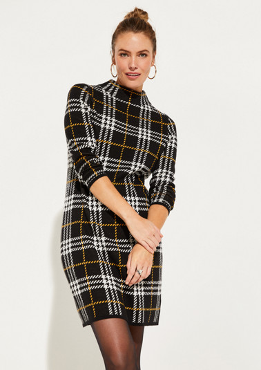 Knitted dress with a classic check pattern from comma