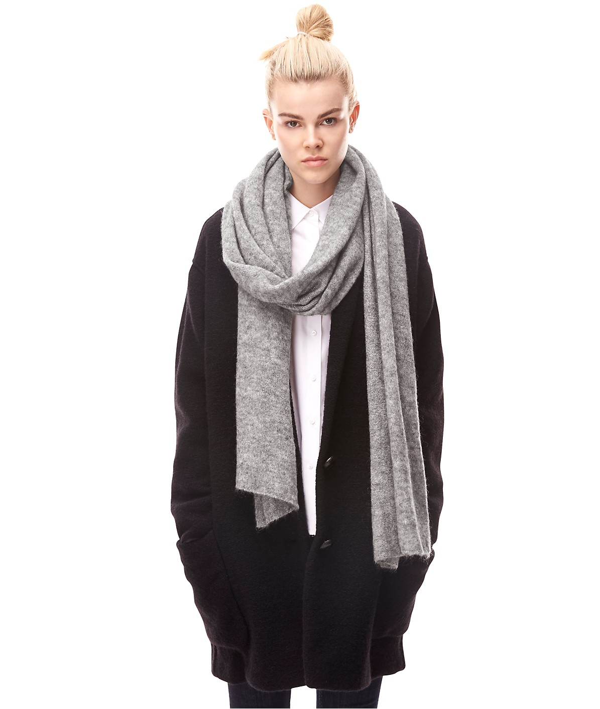 Knitted scarf H1169505 from liebeskind