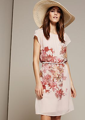 Zartes Chiffonkleid mit schön gestaltetem Floralprint