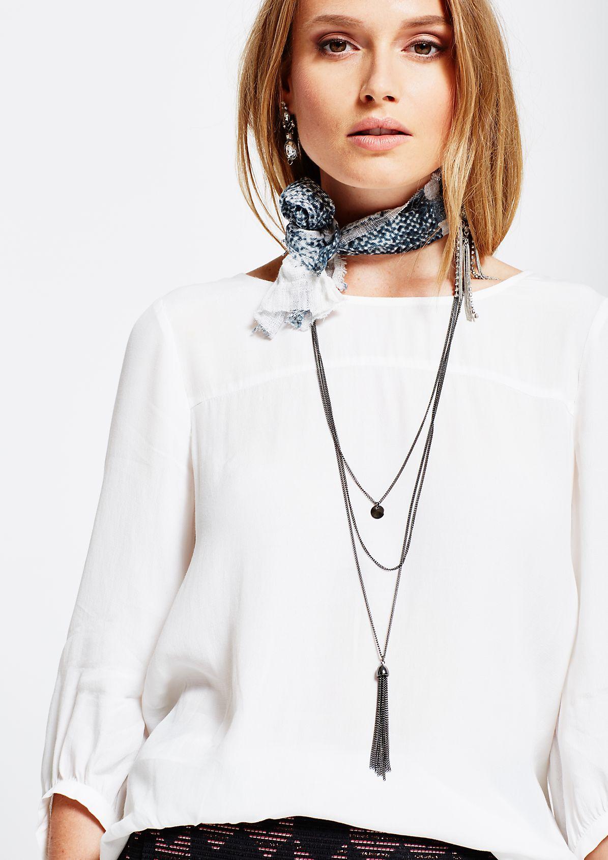 Leichte 3/4-Arm Kreppbluse mit Halskette