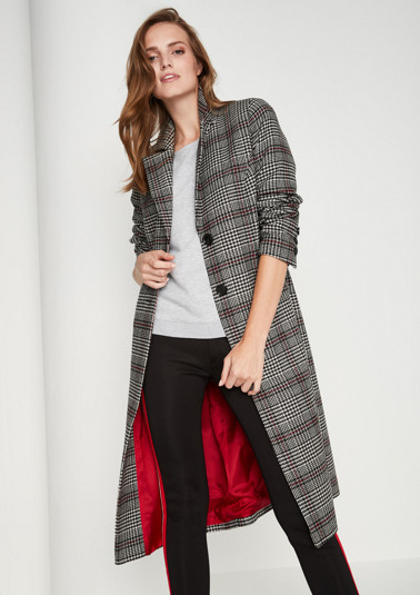 Single-breasted coat with a classic Prince of Wales check pattern from comma