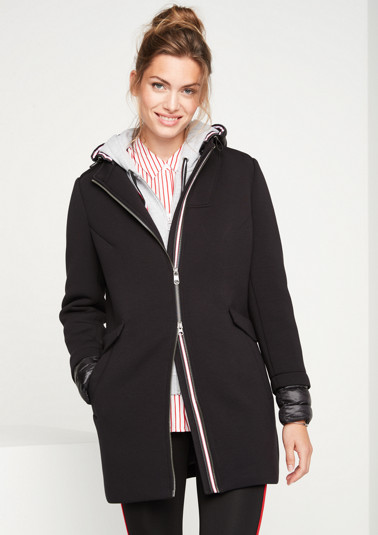 Scuba winter coat with a detachable hood from comma