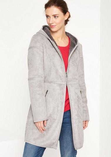 Mantel aus weichem Lammlederimitat