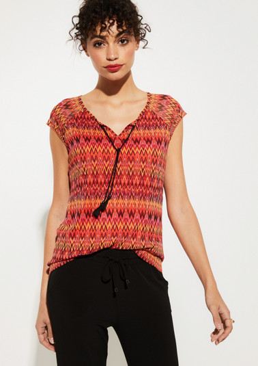 Short-sleeved mesh T-shirt with an all-over pattern in bold colours from comma