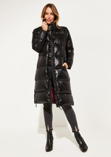 Lightweight down coat with a detachable hood from comma
