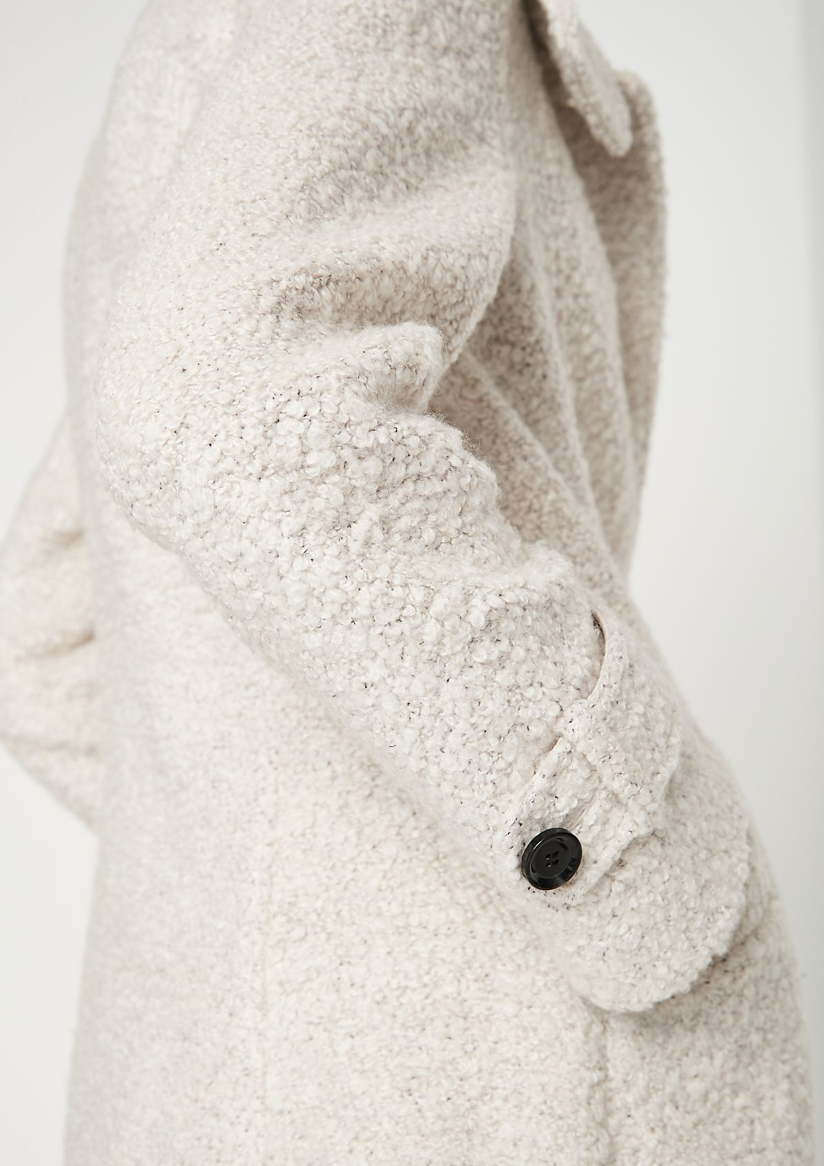 Mantel aus weichem Bouclé