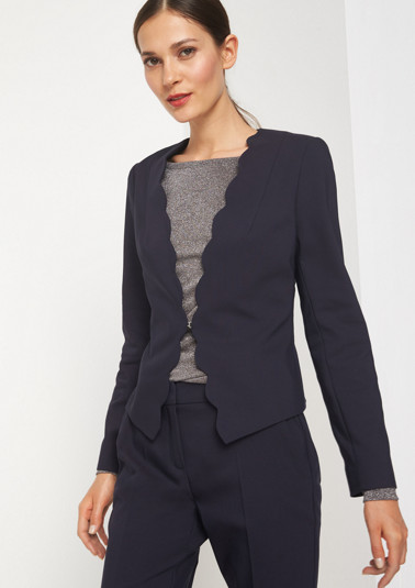 Extravagant short blazer with stunning details from comma