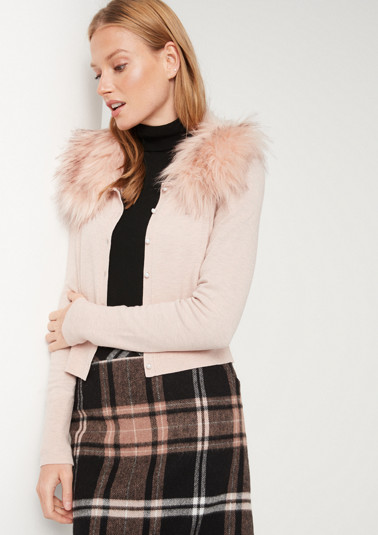 Fine cardigan with a faux fur collar from comma