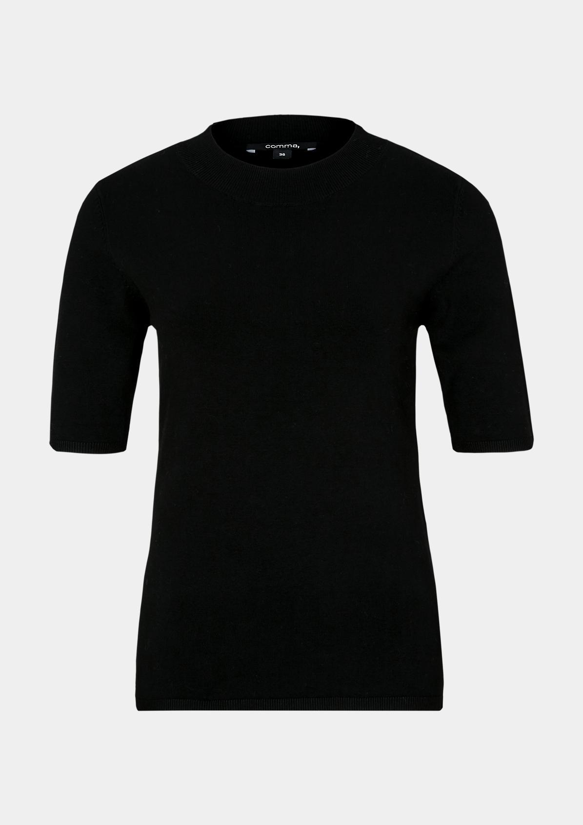 Kurzarm-Feinstrickshirt mit raffinierten Details