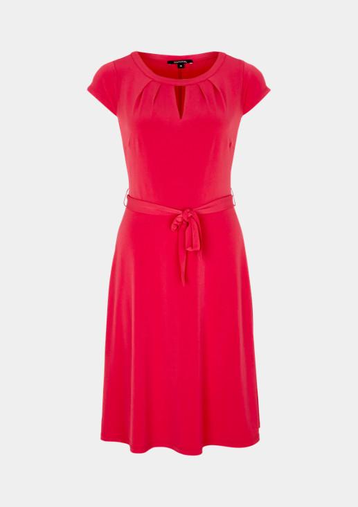 Sommerliches Jerseykleid mit Gürtel