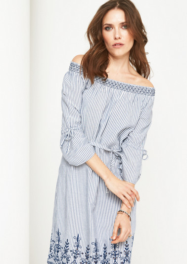 Off-the-shoulder dress with embroidery from comma