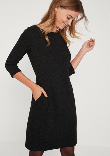 3/4-sleeve knit dress with a ribbed pattern from comma