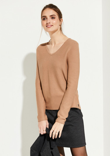 Soft knitted jumper in a ribbed finish from comma