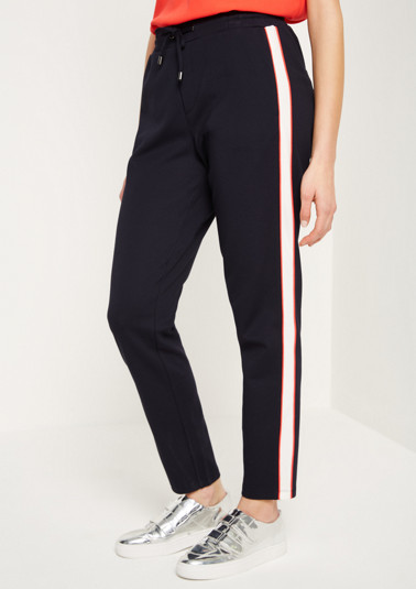 Sporty lounge trousers with side stripes from comma