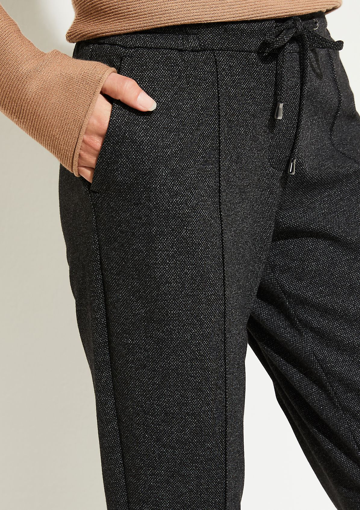 Elegant lounge trousers with a salt-and-pepper pattern from comma