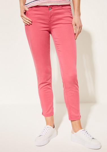 Satin jeans in 7/8 length with a fine garment wash from comma