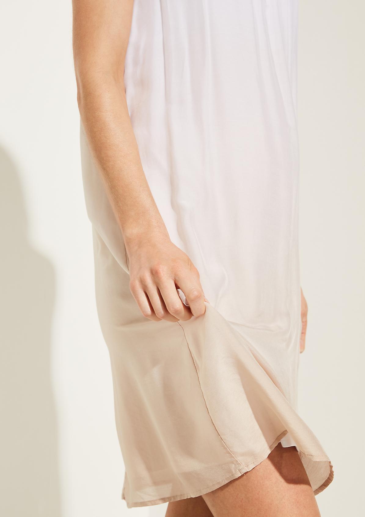 Chiffonkleid mit raffiniertem Farbverlauf