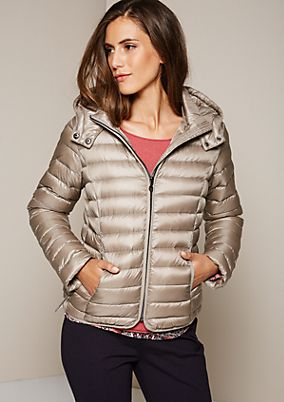 Lightweight down jacket with a button-off hood from comma
