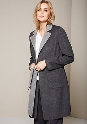 Beautiful reversible coat with a wide belt from comma