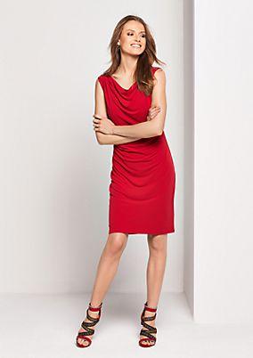 Elegantes Abendkleid mit Spitzenverzierungen