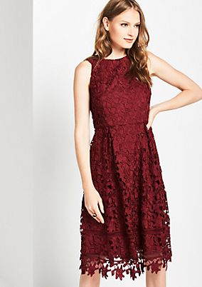 Eye-catching evening dress in delicate lace from comma
