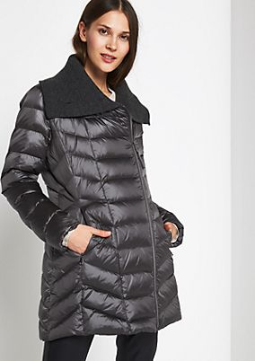 Lightweight winter coat with a hood from comma
