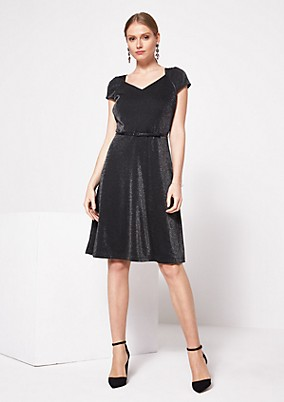 Elegantes kleid wadenlang | Trendige Kleider für die ...