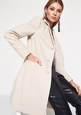 Elegant coat with decorative details from comma