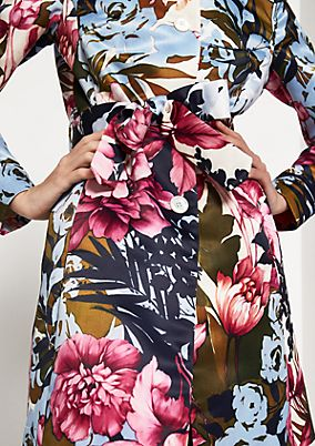 Satin coat with an extravagant, all-over floral pattern from comma