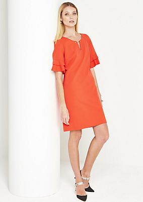 Elegant crêpe dress with fine details from comma
