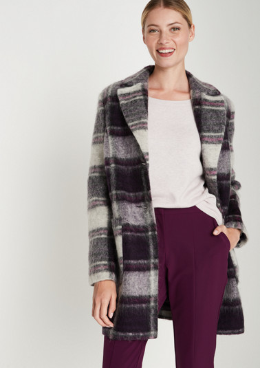 Coat with a cool check pattern from comma