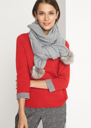 Soft, chunky knit scarf with a cable pattern from comma